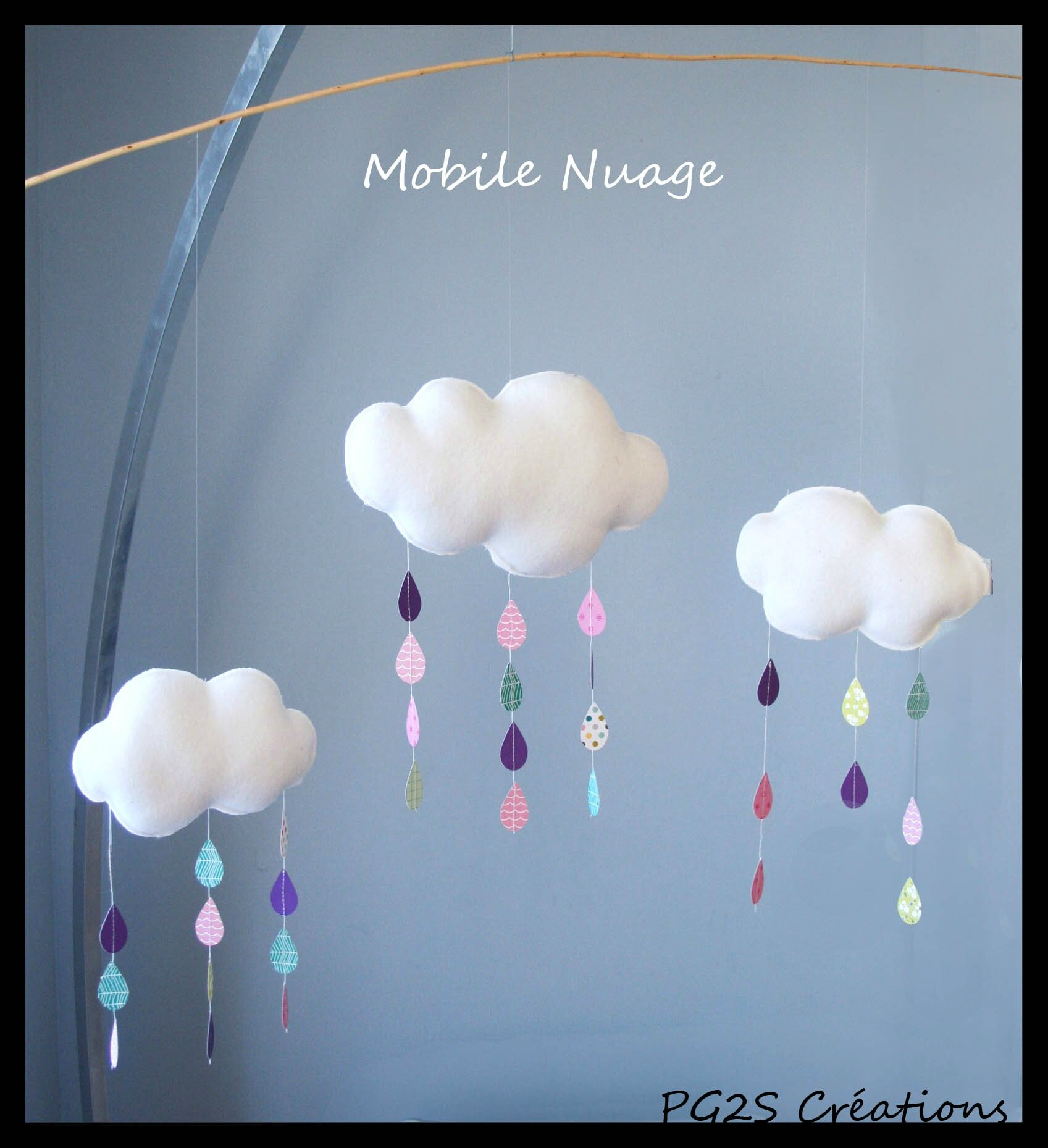 mobile nuage et gouttes de pluie multicolores etoiles et. Black Bedroom Furniture Sets. Home Design Ideas