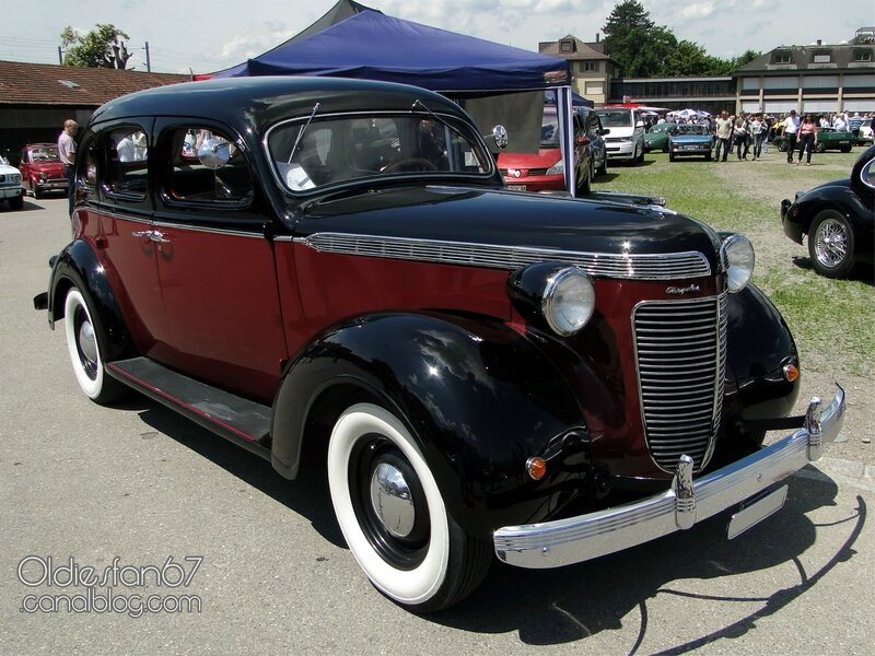 chrysler-royal-touring-sedan-1937-01