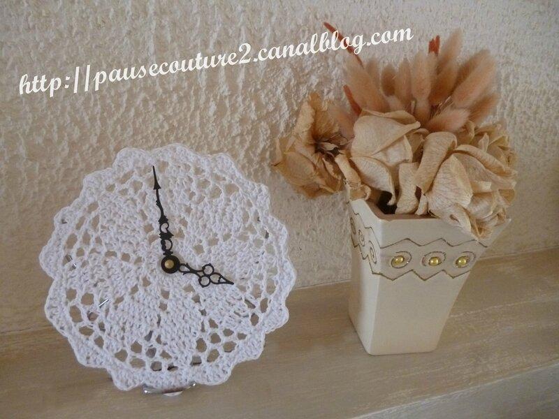 horloge crochet F