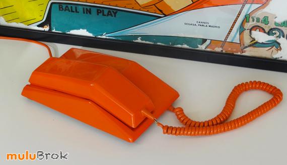 Objet vintage t l phone orange contempra mulubrok brocante en ligne - Objets vintage en ligne ...