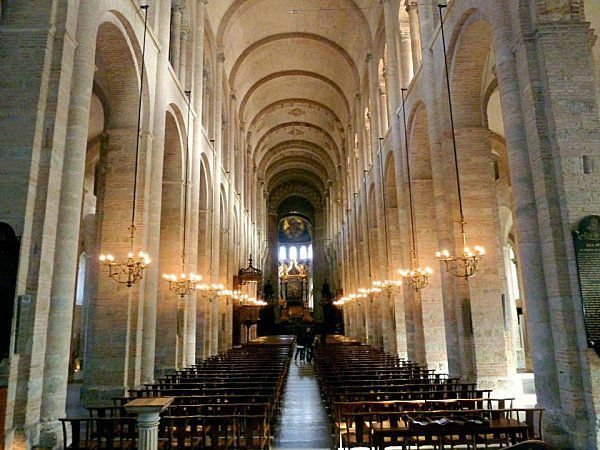 x06---Interieur-de-St-Sernin