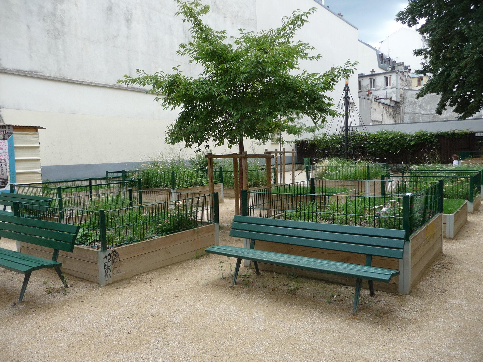 P1110565 photo de le square olga bancic le jardin d 39 olga for O jardins d eglantine