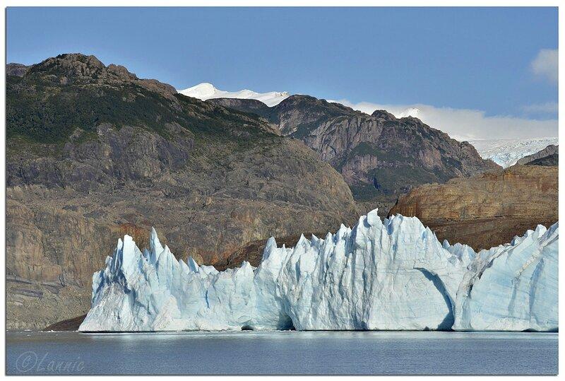 _Argentine_440_Chili_Torres_del_Paine_glacier_Grey