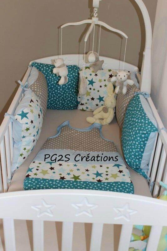 Une jolie chambre turquoise taupe et anis etoiles et petits pois Deco chambre bebe garac2a7on taupe et bleu
