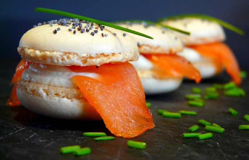 01 Apéritif - Macarons & ganache fromage frais et saumon fumé