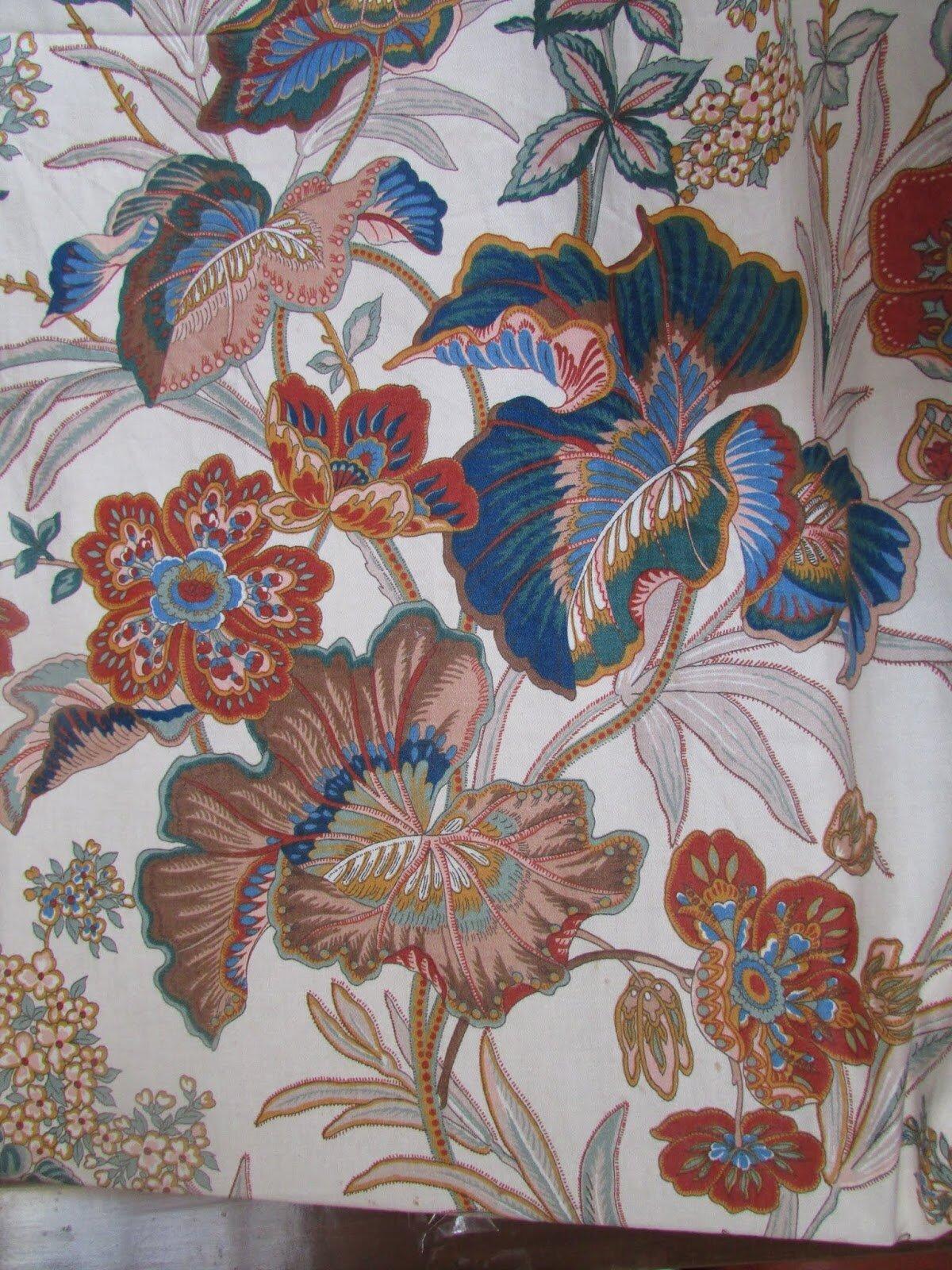 tissu ameublement chintz grosses fleurs mulhouse 1979 chantale poucel a montmorillon 86. Black Bedroom Furniture Sets. Home Design Ideas