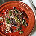 Tajine de thon (frais) à la tomate, poivrons frits et olives