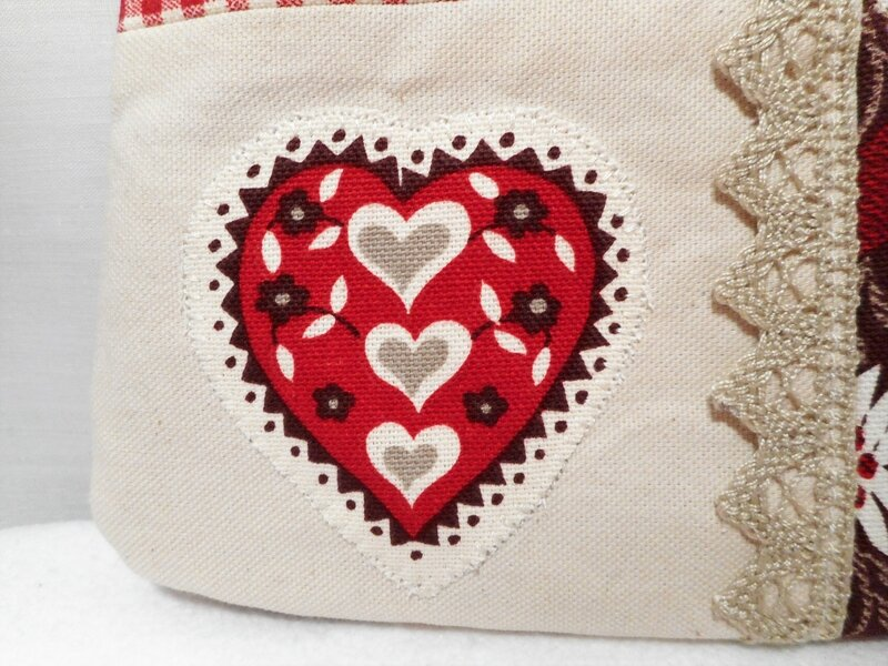 Trousse maquillage coeurs edelweiss bordeaux zoom coeur