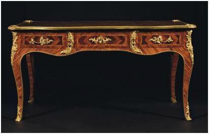 Le bureau plat un meuble de repr sentation regard d for Bronze pour meuble de style
