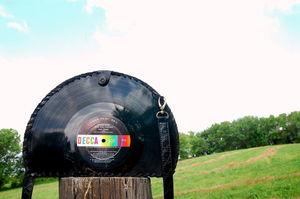 sac_vinyl