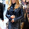 Jennifer Aniston leather skirt 1012