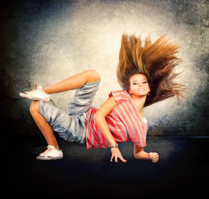 Fotolia_hair_dance_light