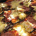 La pizza de cathy : courgette, bacon, mozza et....