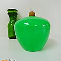Objet vintage ... pomme à glaçons verte