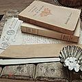 livres, anciens actes notariés, petit moule en fer