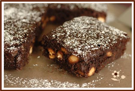 Brownie chocolat, compote de pommes & noix de cajou