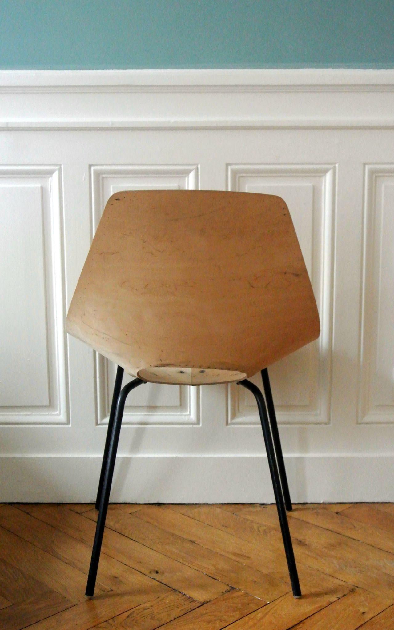 chaise tonneau pierre guariche pour steiner solveig vintage galerie. Black Bedroom Furniture Sets. Home Design Ideas