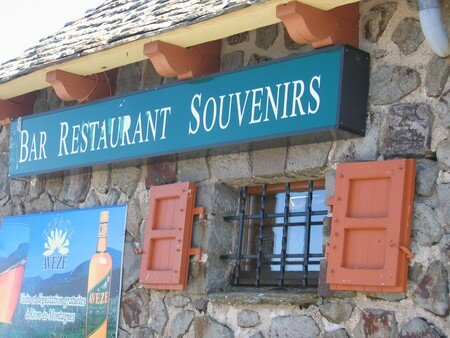puy_mary_bar_restaur_souvenir