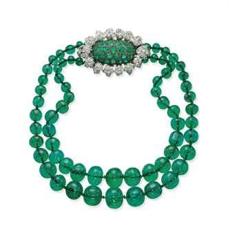 an_emerald_and_diamond_necklace_d5552652h
