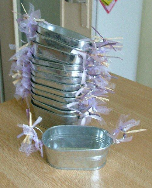 Pots à dragées sur les tables