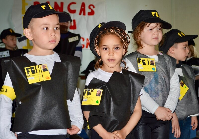 ALSH 2017 FRANCAS FÊTE FIN CENTRE enfants badges