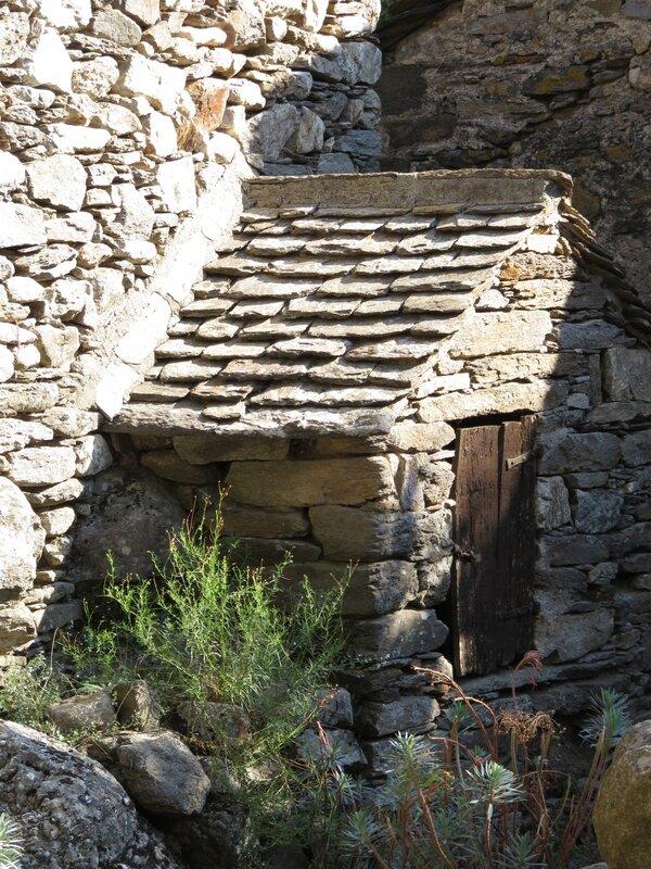 Petite maison de pierre