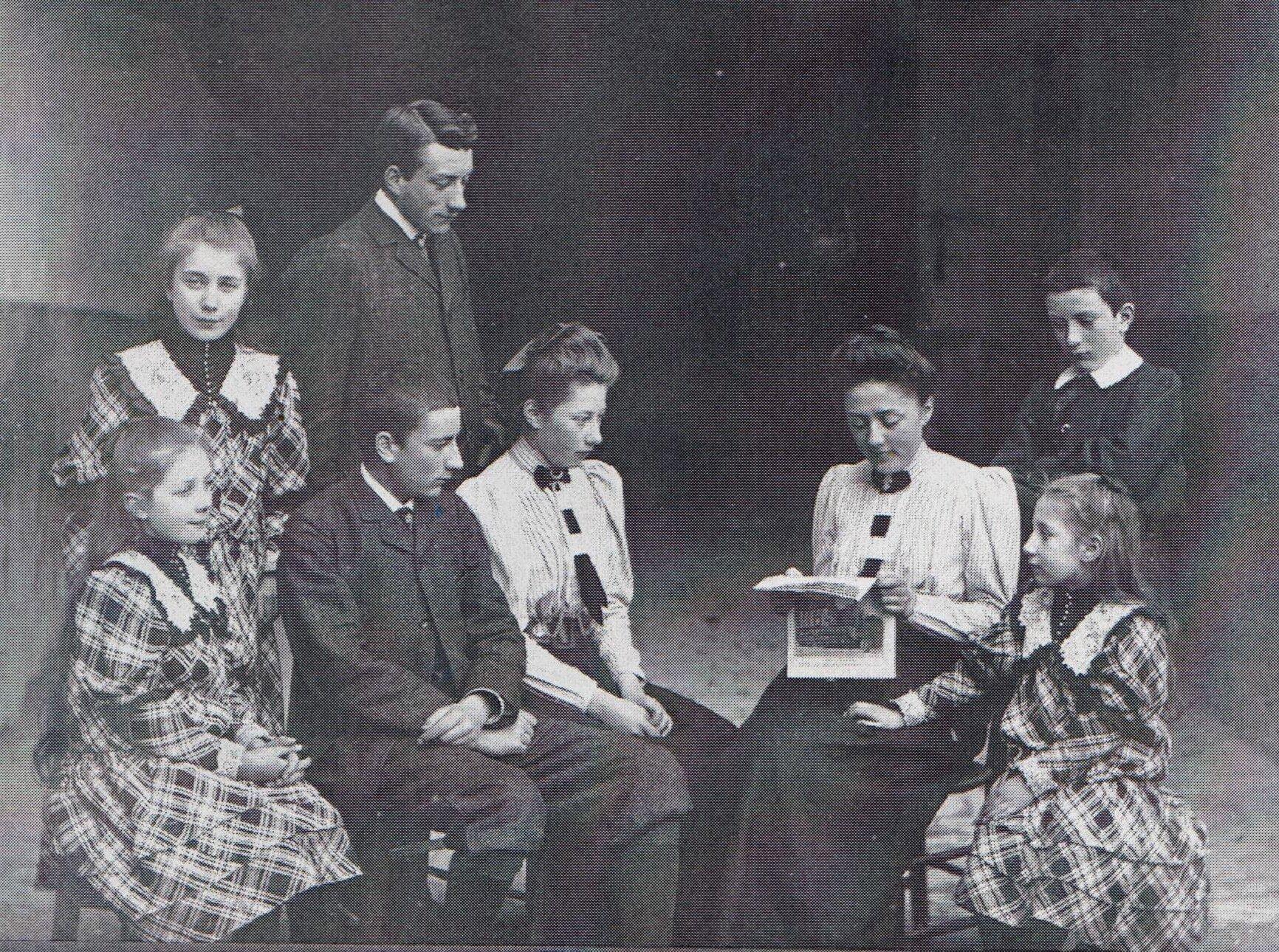 Père de Gevigney en famille