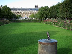 le-petit-canon-du-palais-royal-med