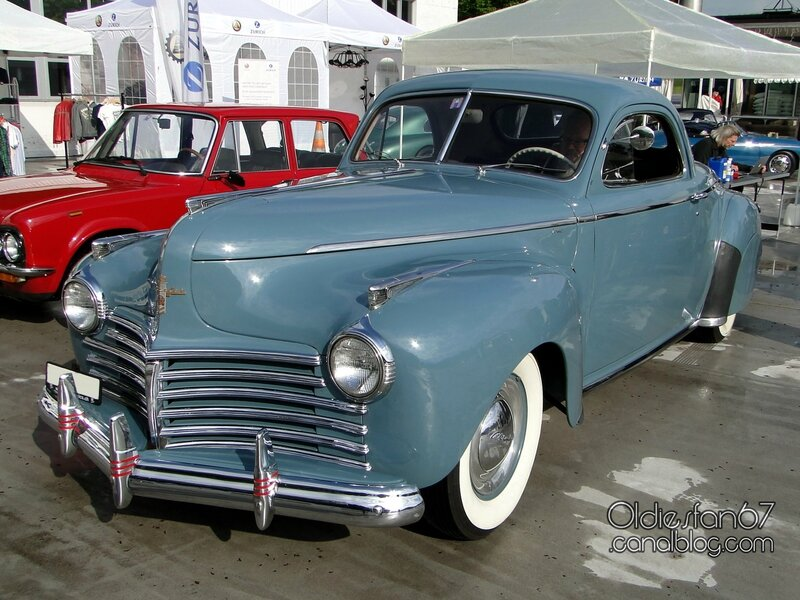 chrysler-royal-business-coupe-1941-01