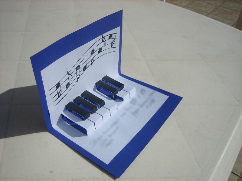 carte d 39 anniversaire musicale les bricos de beca. Black Bedroom Furniture Sets. Home Design Ideas