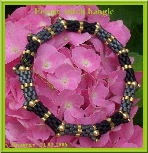 Peyote stitch bangle