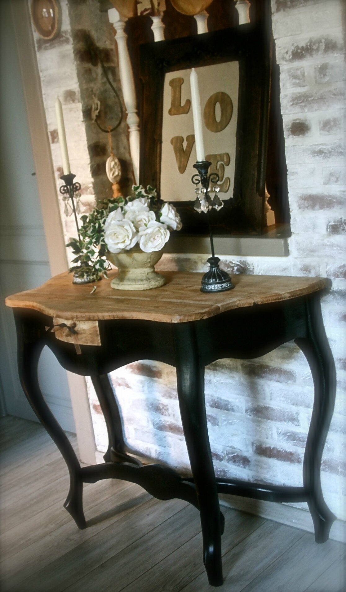 superbe ancienne table console stylis e en bois massif sur 4 pieds patine blog de missantic. Black Bedroom Furniture Sets. Home Design Ideas