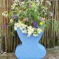 vase bleu garni