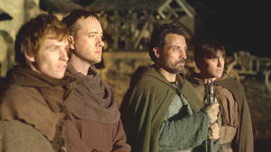 les_piliers_de_la_terre_07_rufus_sewell_eddie_redmayne_matthew_7095800ayzdk