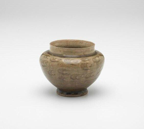 Jar with incised decoration, Vietnam, 14th century-15th century