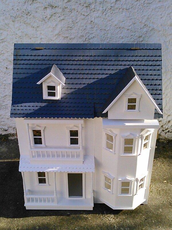 la maison de poup e des 3 ans 2 something beautiful. Black Bedroom Furniture Sets. Home Design Ideas