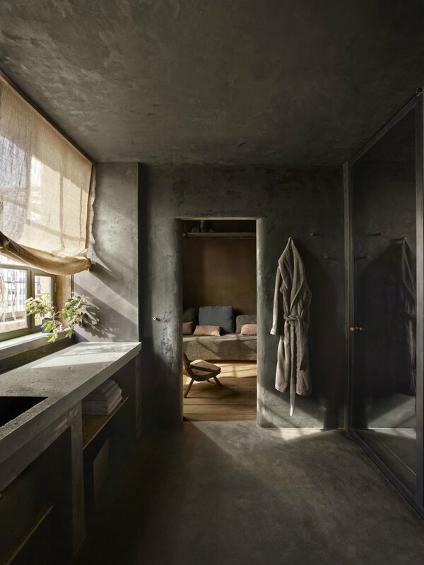 tgh-ph-2nd-bathroom-credit-nikolas-koenig-