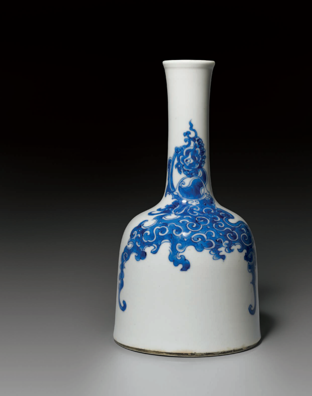 A blue and white mallet vase, Kangxi period (1662-1722)