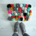 Diy: tapis pompons