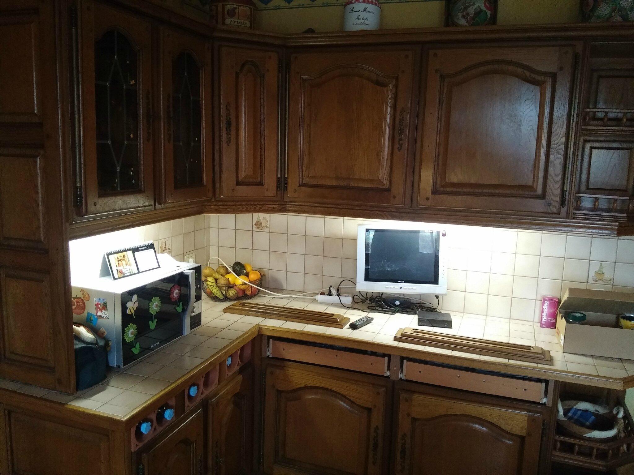 Nouvelle d co pour cette cuisine rustique grenier for Peinture speciale cuisine