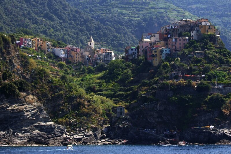 49-follow-me-white-rabbit-cinque-terre-italie-CORNIAGLIA (1)
