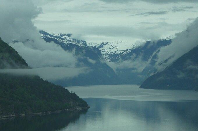P1020665_fjord_Hardanger