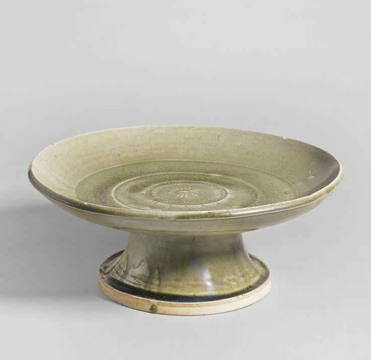 A green-glazed stoneware tazza, Han-Six Dynasties
