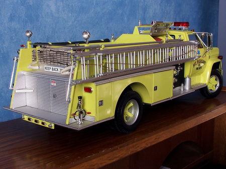 GMC_6000_Firetruck___1975__2_