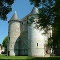 16 Château de Tourelles (XIIe) construit sous le règne de Philippe Auguste