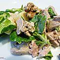 Salade de dinde aux noix et à la moutarde