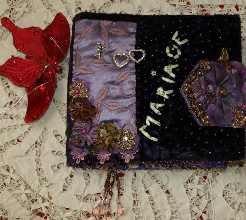 Album en tissu violet