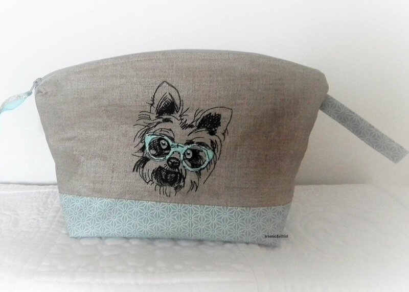 chien turquoise