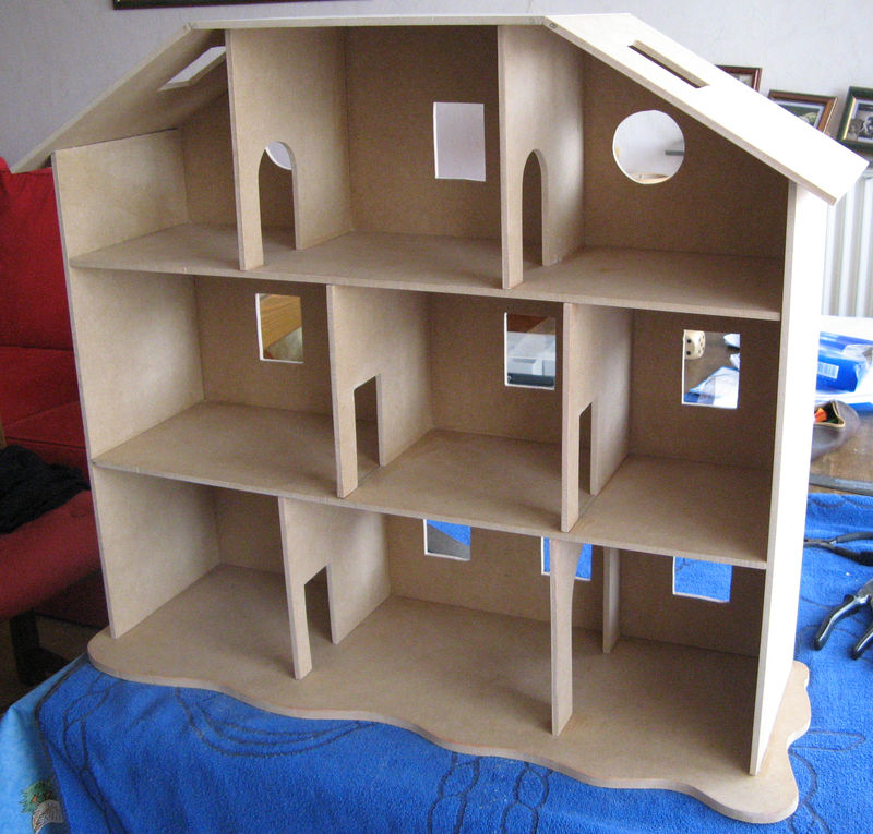 Plan maison de poupee en bois