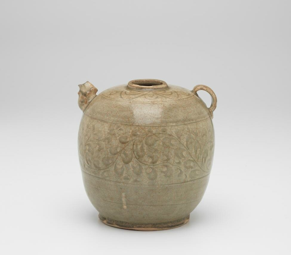 Ewer with incised lotus collar around opening, Vietnam, 13th century-14th century